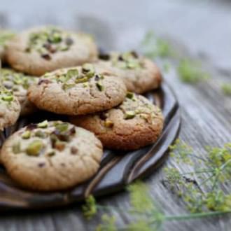 Holmes Place | Μπισκότα 5 συστατικών με αμύγδαλο και ταχίνι (vegan)