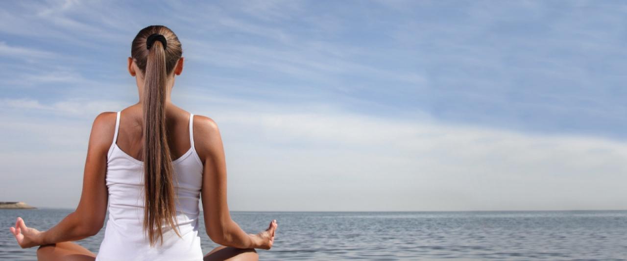 Meditar na praia | Preparar a pele | Holmes Place