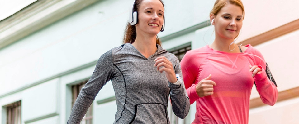 Mulheres a correrem | Fitness | Treinos | Holmes Place