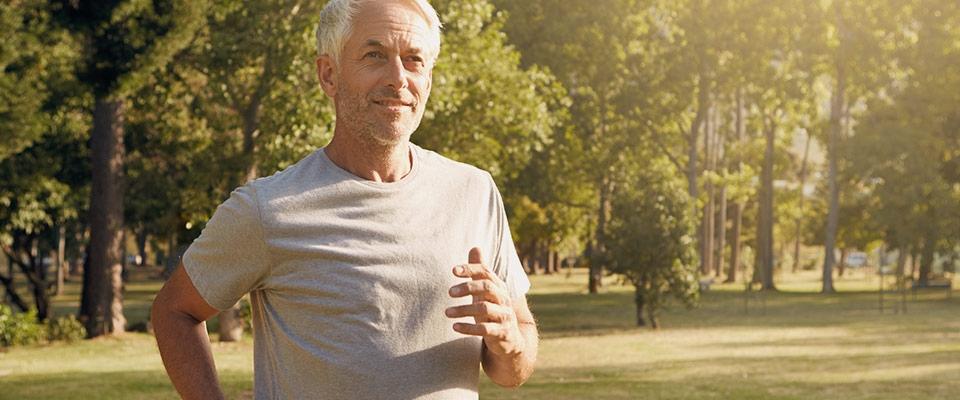 Homem a correr | Exercício e Parkinson | Holmes Place
