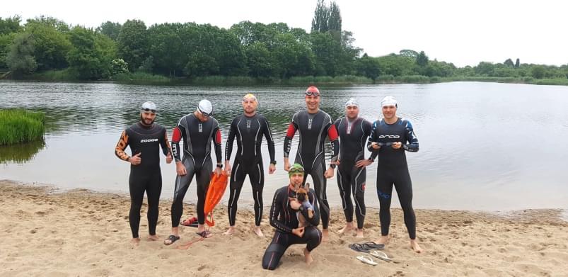 Treningi pływania na wodach otwartych
