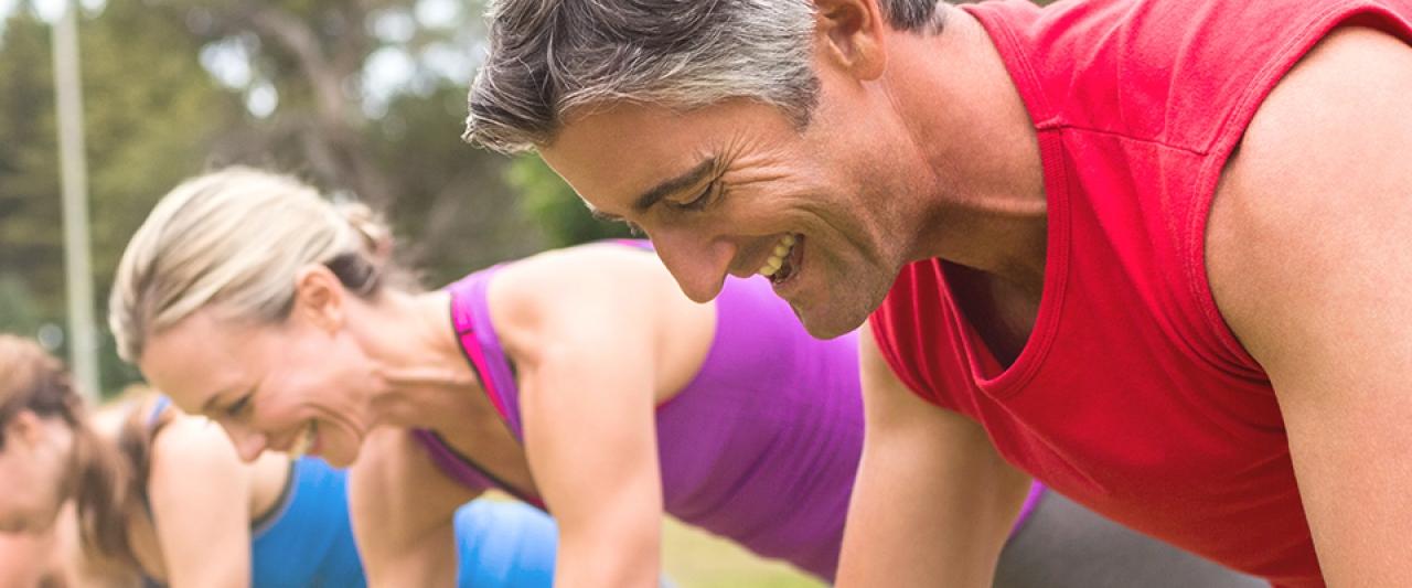 Pessoas a praticarem exercício físico aos 40 anos | Holmes Place