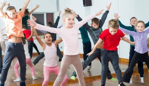 Dance Kids | Aula de Grupo | Holmes Place