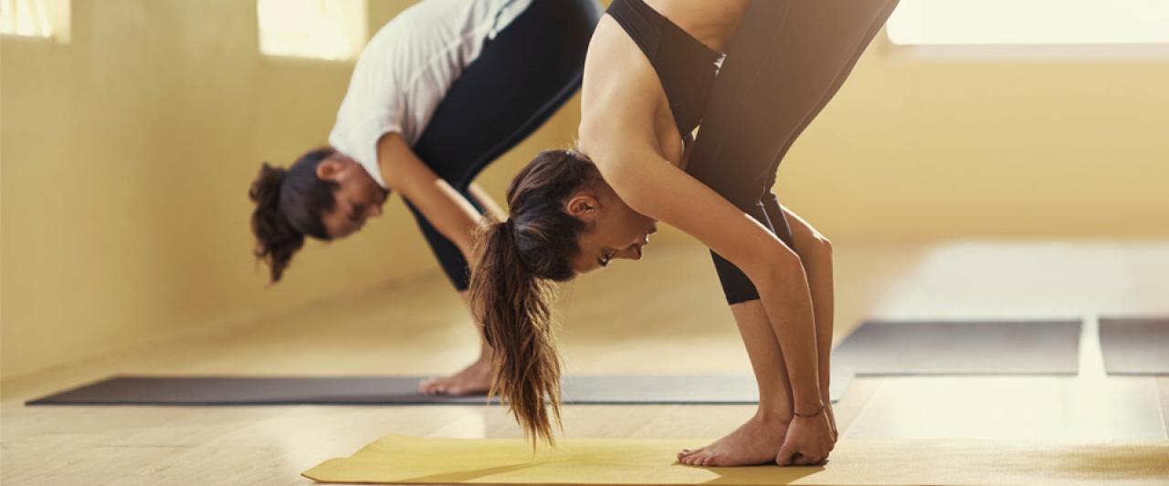 Mulheres a praticar Pilates no Holmes Place