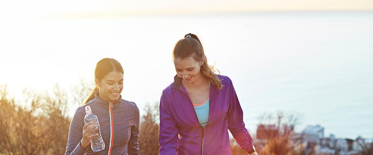 Raparigas a fazerem exercício físico | Holmes Place