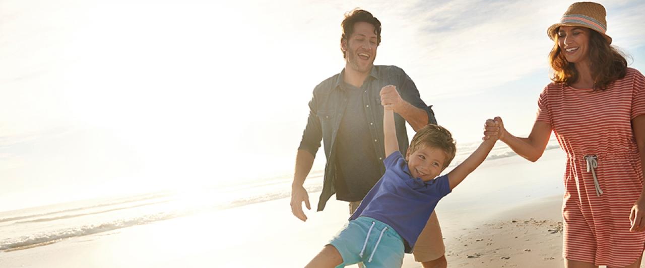 Passeio na praia em família | Dia internacional da família | Holmes Place