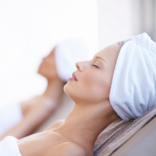 Holmes Place | women spa relaxing towel hair