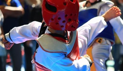 Crianças a praticarem Taekwondo | Aulas de Grupo | Holmes Place