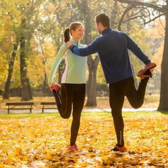 Pessoas a fazerem exercício físico para melhorar o equilíbrio | Holmes Place
