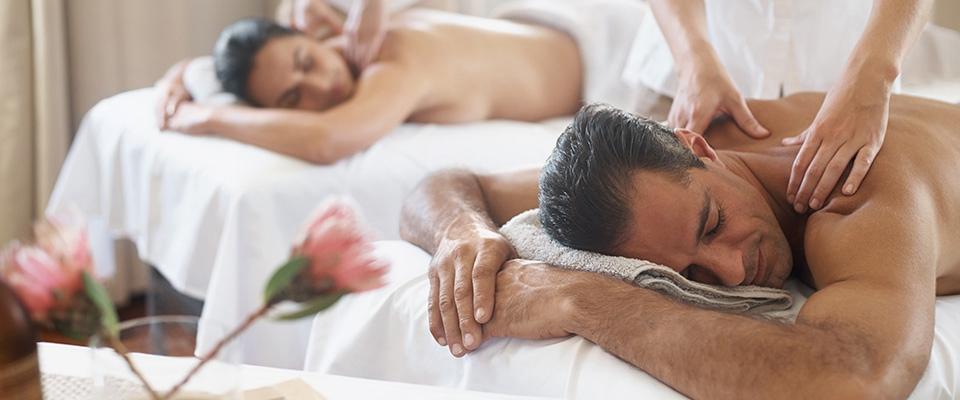 Holmes Place | Massage Couple