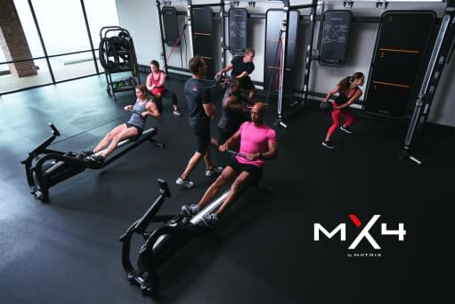Gruppe beim MX4 Workout