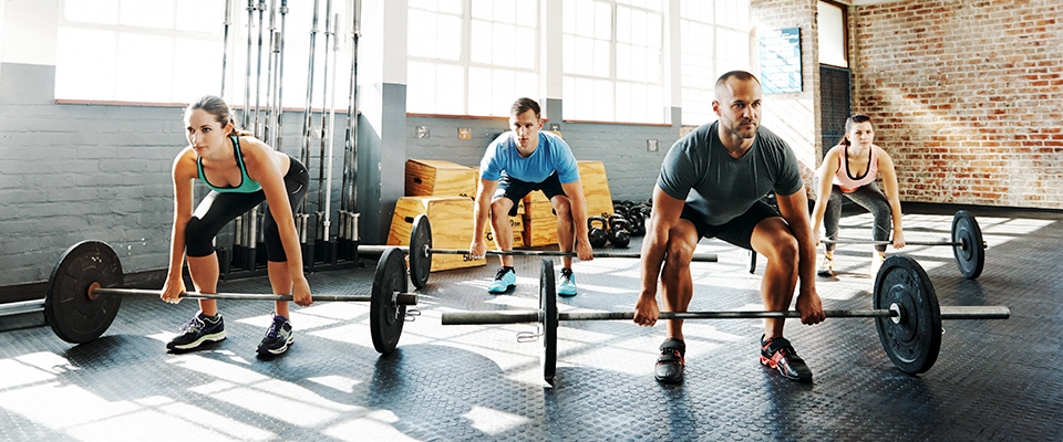 Will weight training burn fat, people lifting weights