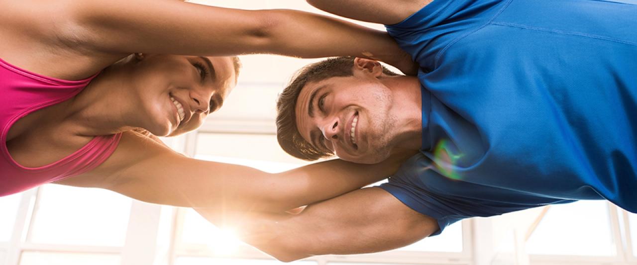 Casal a fazer exercício físico | Obesidade | Holmes Place