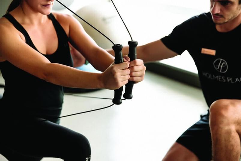 Holmes Place   γυμναστική με Personal Trainer