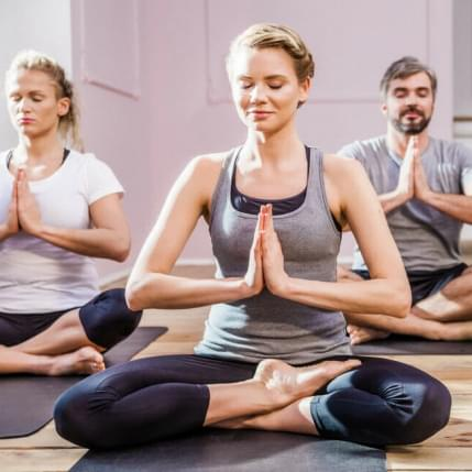 International Day of Yoga im Holmes Place Essen
