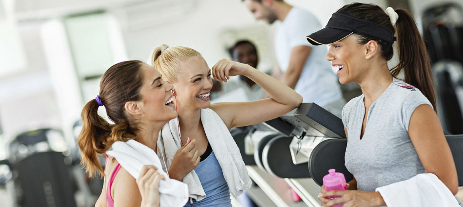Holmes Place | events ιουλίου friends. fitness, fun